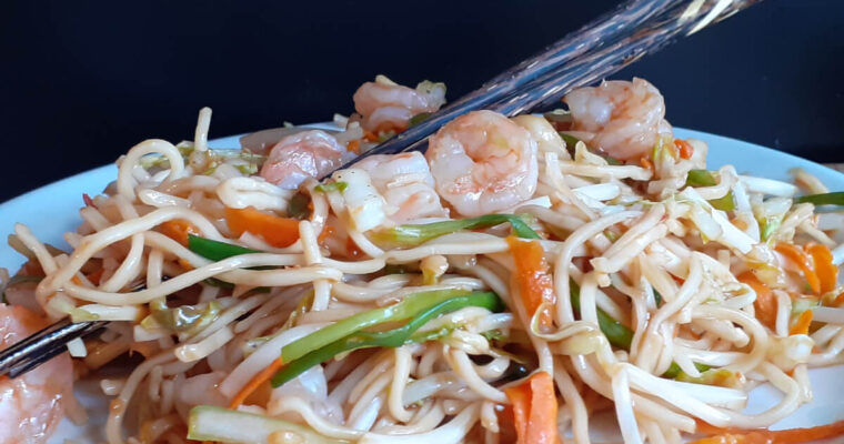 Thai Shrimp Chow Mein